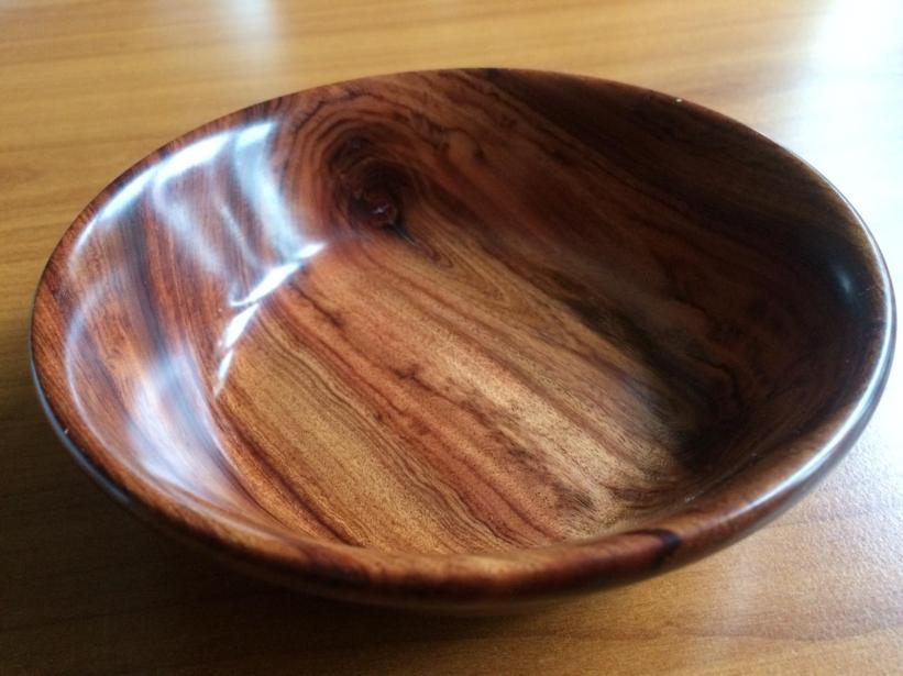 14 cm Mopani bowl with high gloss wax finish